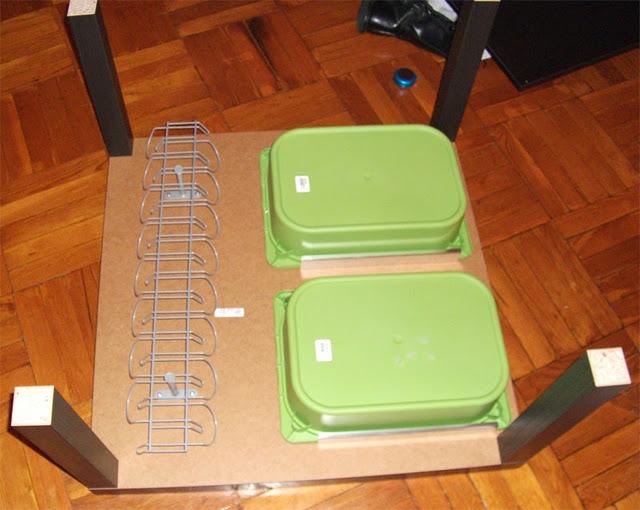 Una mesa auxiliar con dos mesas lack decoraci n sueca - Como hacer una mesa de ordenador ...