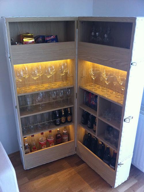 Un mueble bar hecho con dos repisas besta decoraci n for Banco esquinero cocina ikea