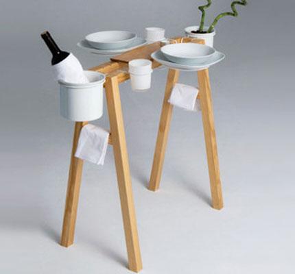 Diy mesa auxiliar hecha con un caballete de ikea for Mesa auxiliar redonda ikea