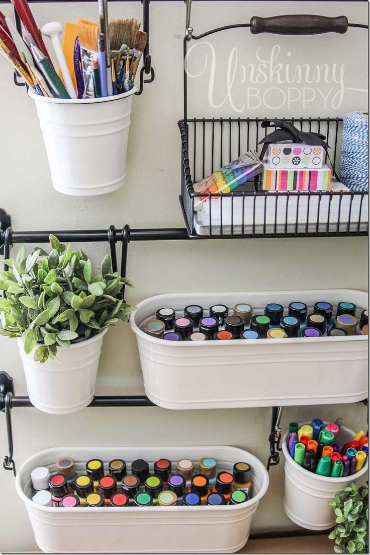 estanteria con cubos y macetas de ikea