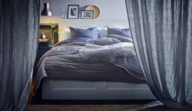 cama IKEA con cortinas