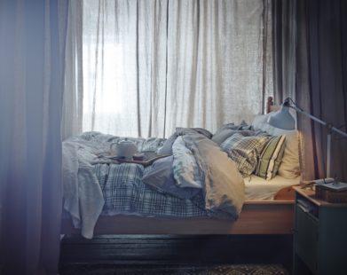 cama acogedora IKEA con dosel 2