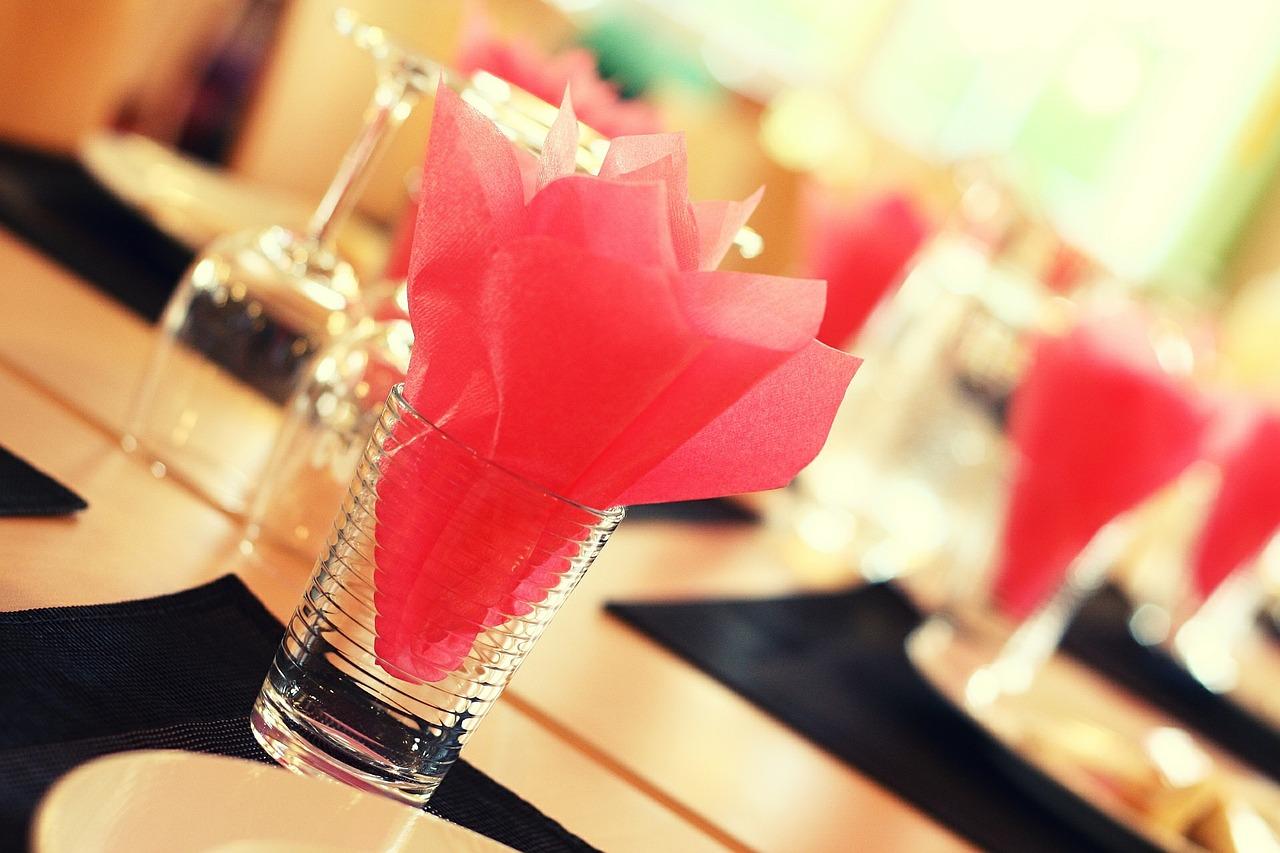 mesa y vasos
