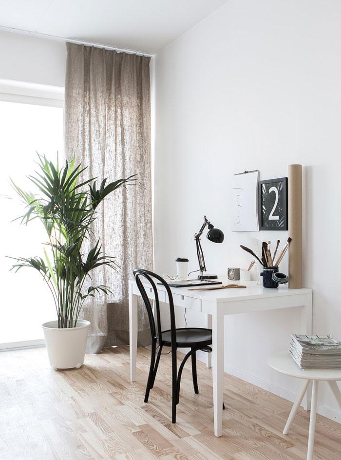 espacio de trabajo decorado en blanco y gris