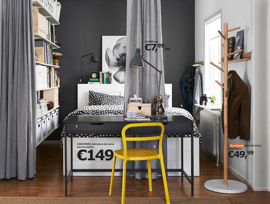 dormitorio en color gris y una silla amarilla
