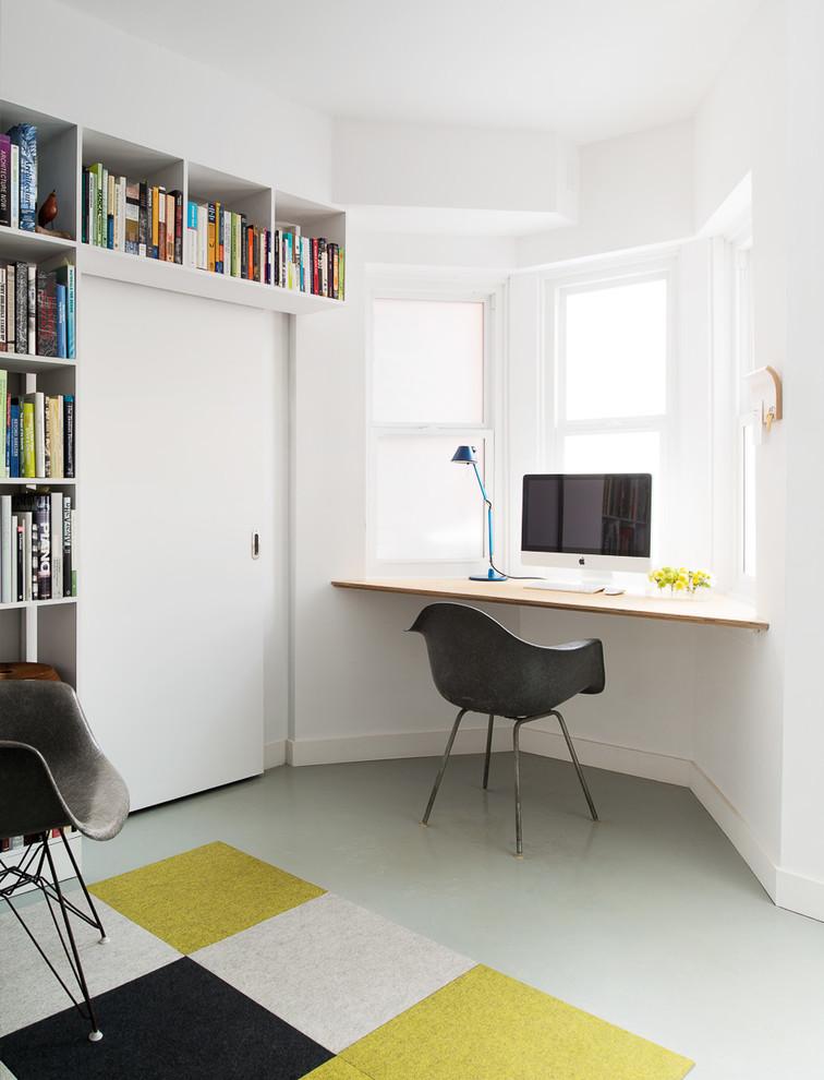 oficina decorada en color blanco
