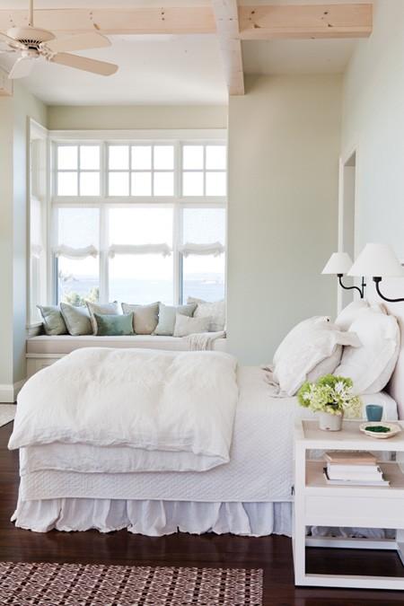 dormitorio en color blanco con tintes escandinavos