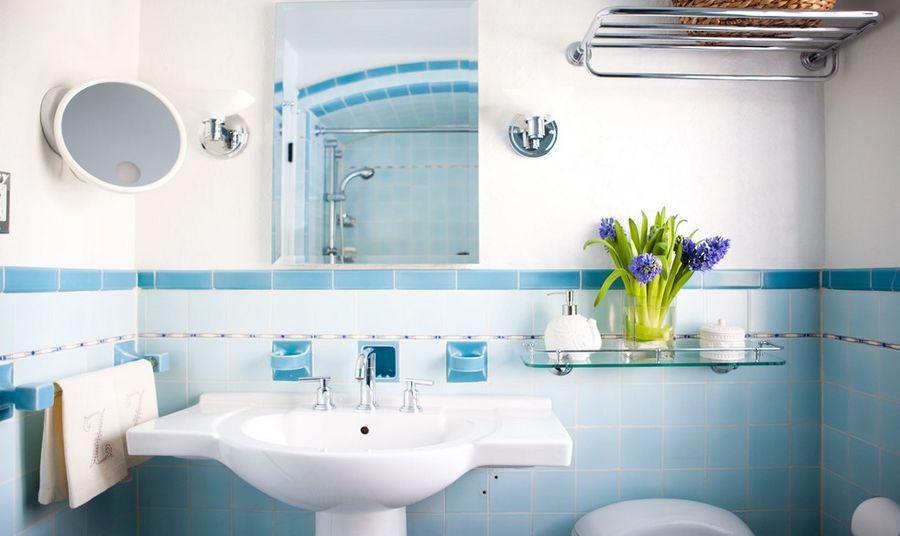 baño en color azul