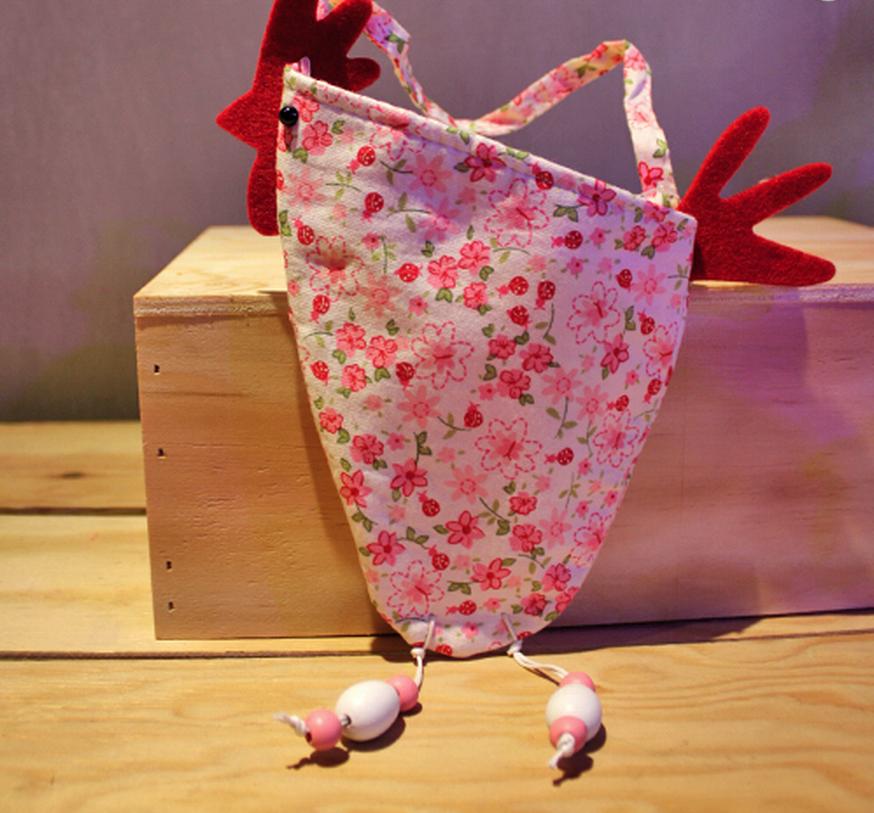 bolsa de tela en forma de gallina