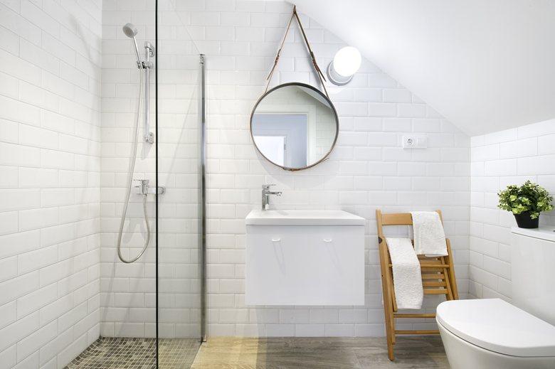 baño en color blanco