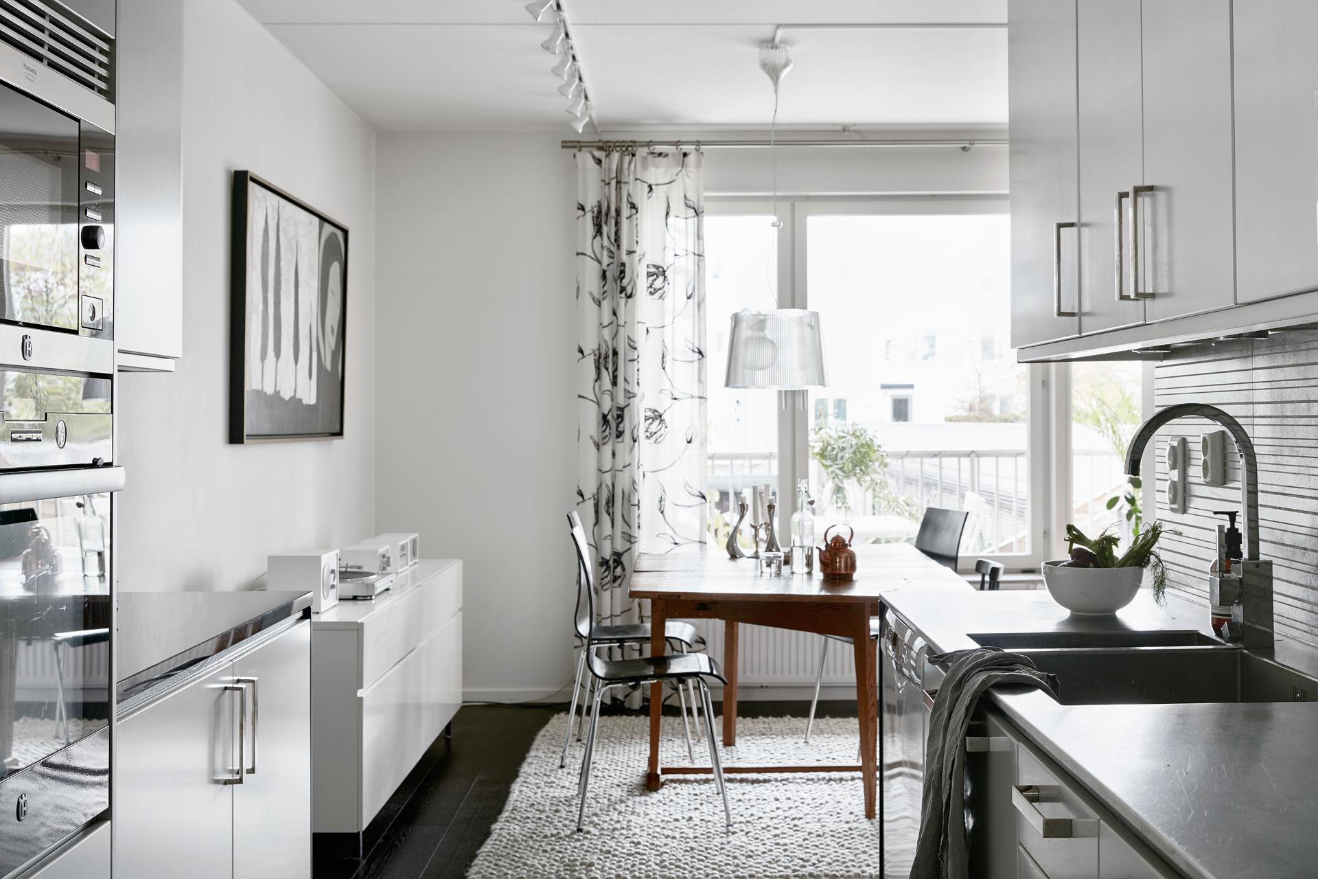 preciosa cocina en gris