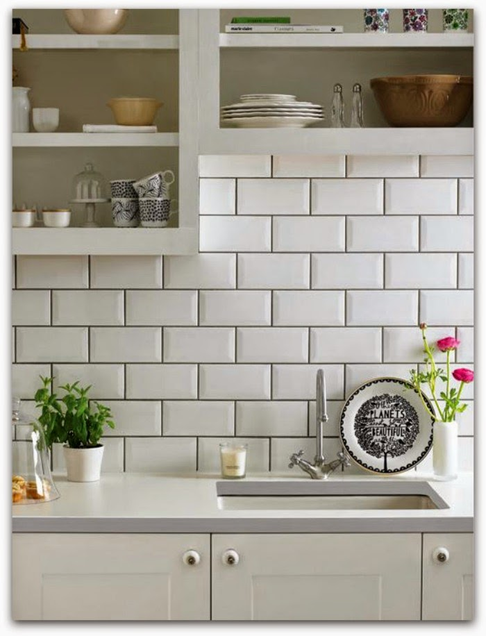 azulejos blancos con juntas negras detalle cocina