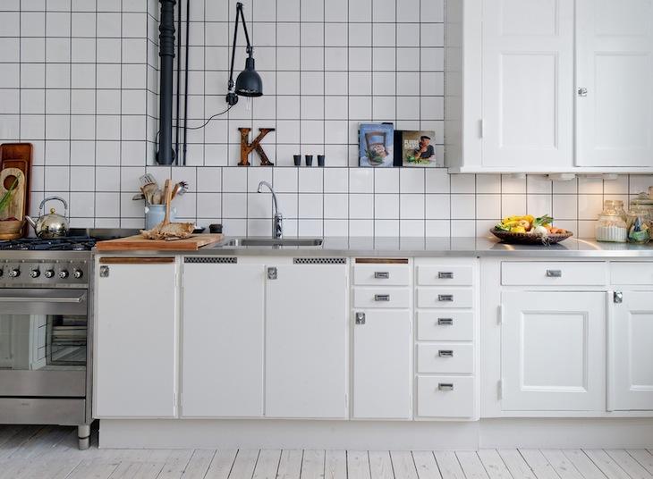 azulejos blancos con juntas negras inicio