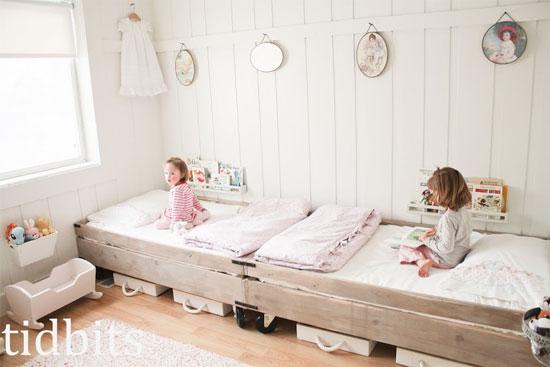 estilo nordico en dormitorios infantiles compartidos 2 camas