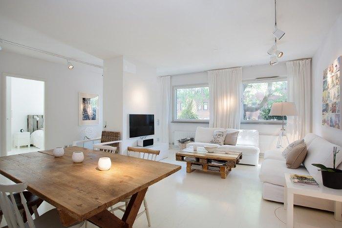 salon blanco y madera inicio