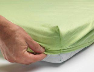 ikea abril 2016 PE575661 sabana bajera ajustable algodon blanco verde