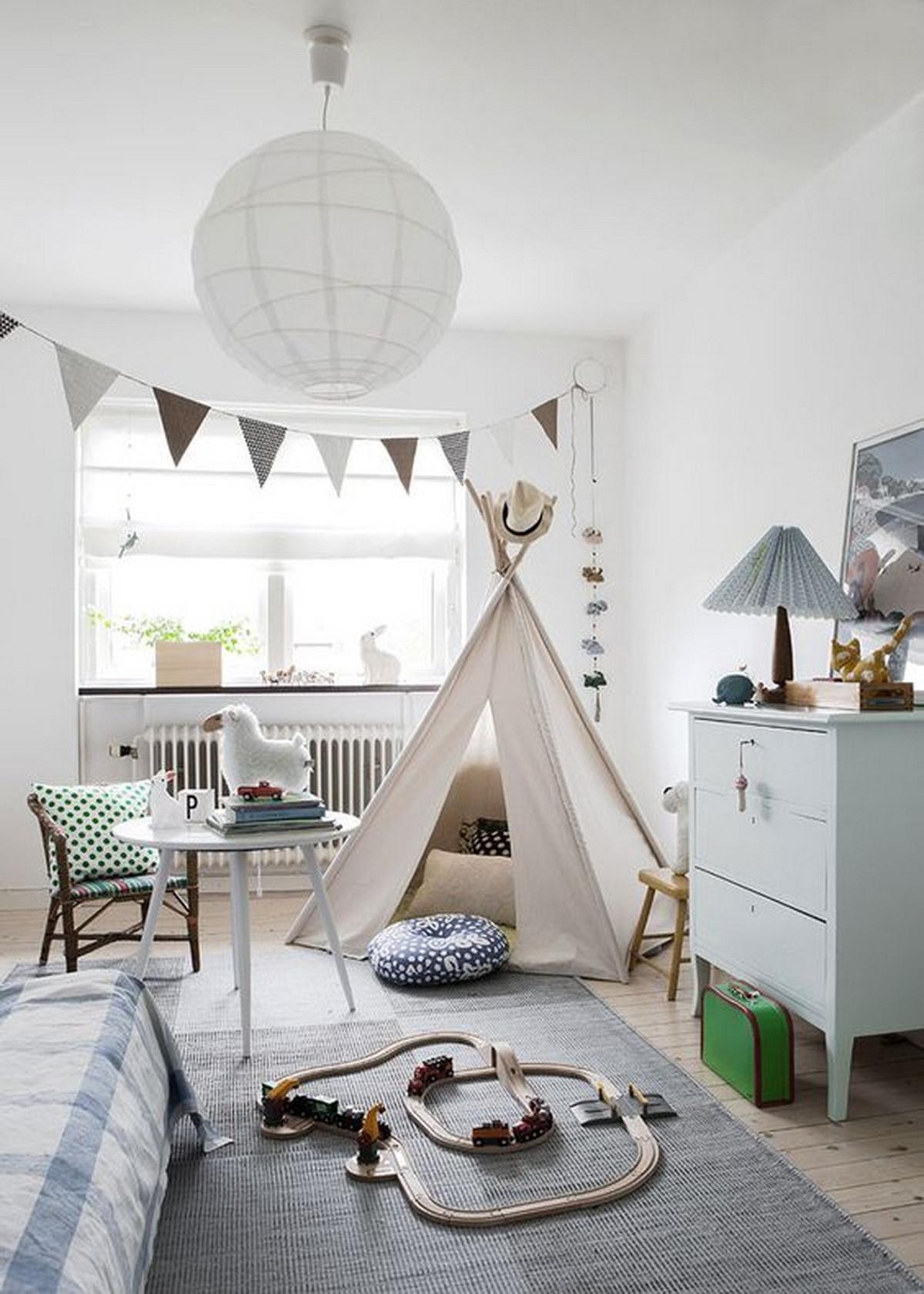 Habitación para niños con tienda de campaña
