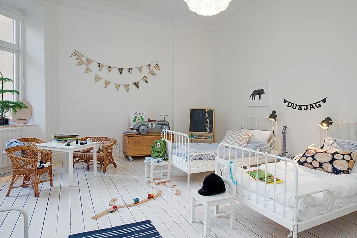 Habitación para niños con buena iluminación
