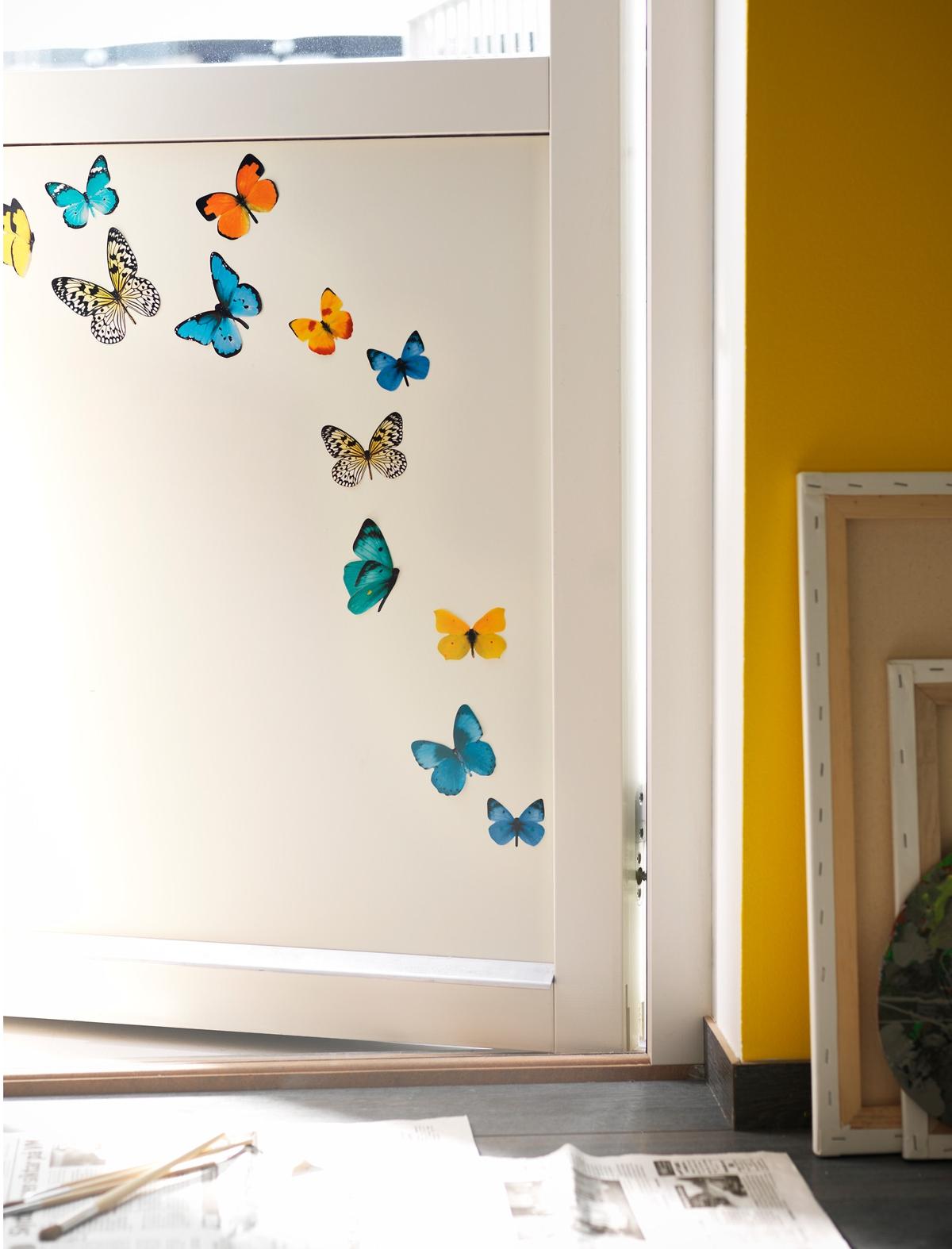 vinilos decorativos de Ikea - mod. Slätthult, mariposas