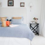 dormitorio para el verano- cojines de colores
