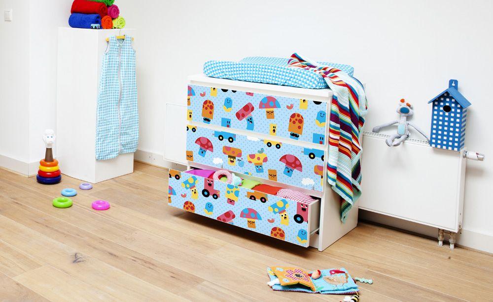 renovar muebles - comoda con vinilos