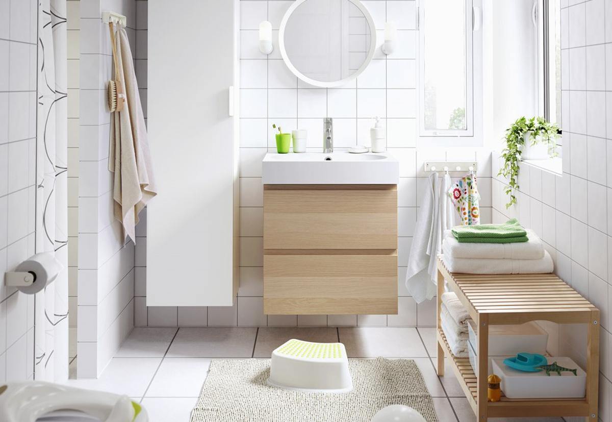 cortinas de baño ikea - mueble de madera clara
