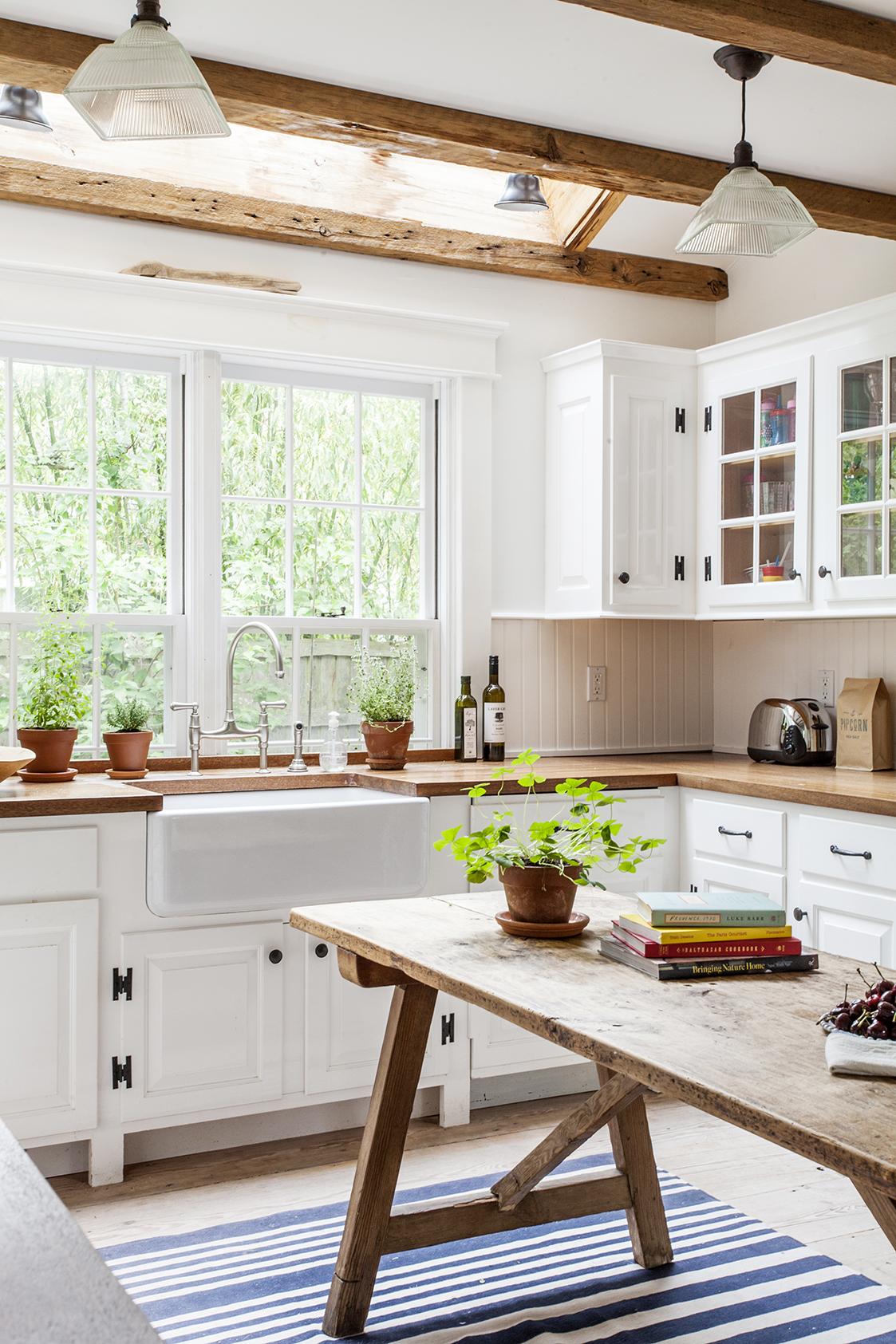 Cómo decorar una casa rústica - cocina blanca