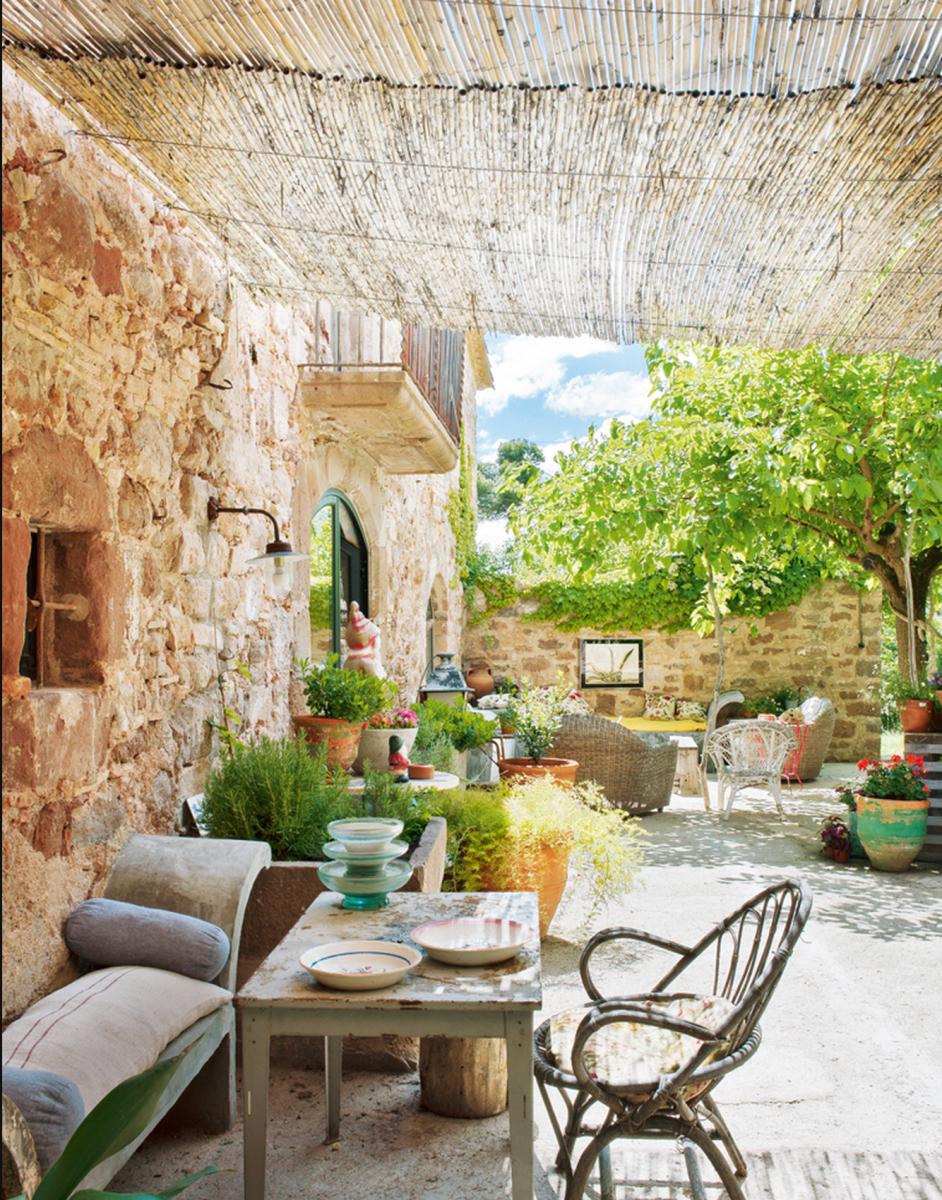 Cómo decorar una casa rústica - terraza