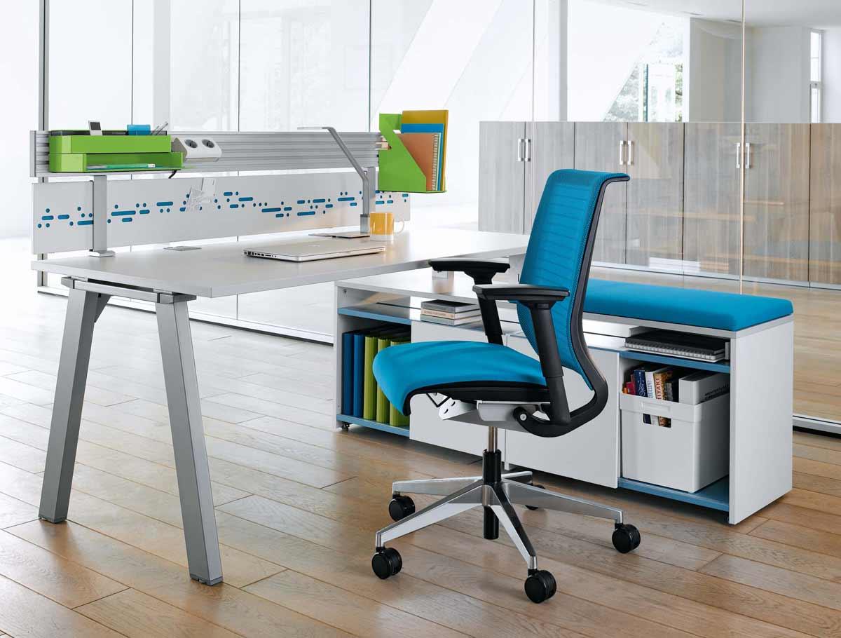 Mobiliario de oficina Ikea - sillas en color