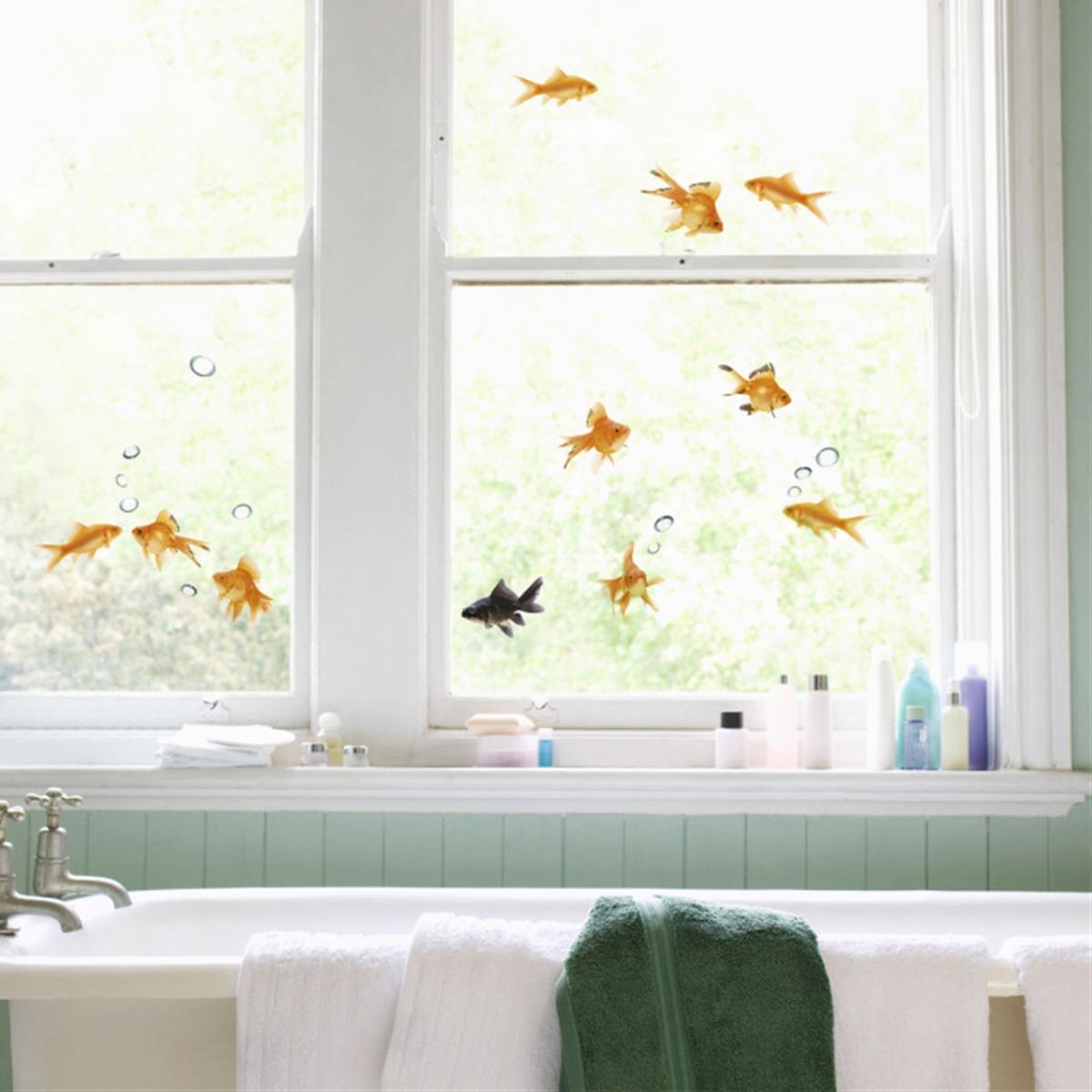 vinilos decorativos para baño - en la ventana