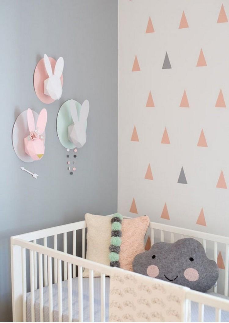 dormitorio de bebé - en tonos rosas y grises