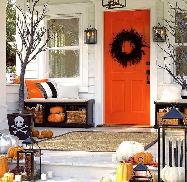 decoración de Halloween casera de la puerta de entrada