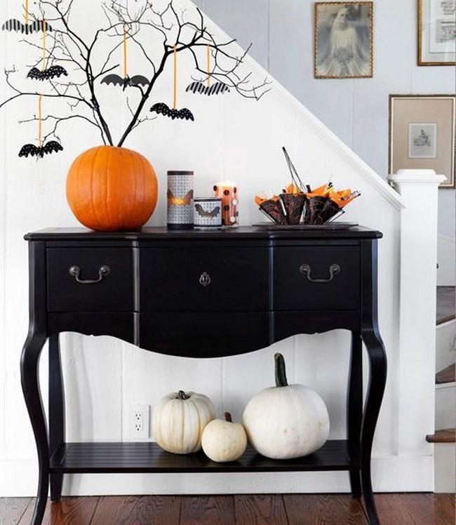 decoración de Halloween casera en el recibidor