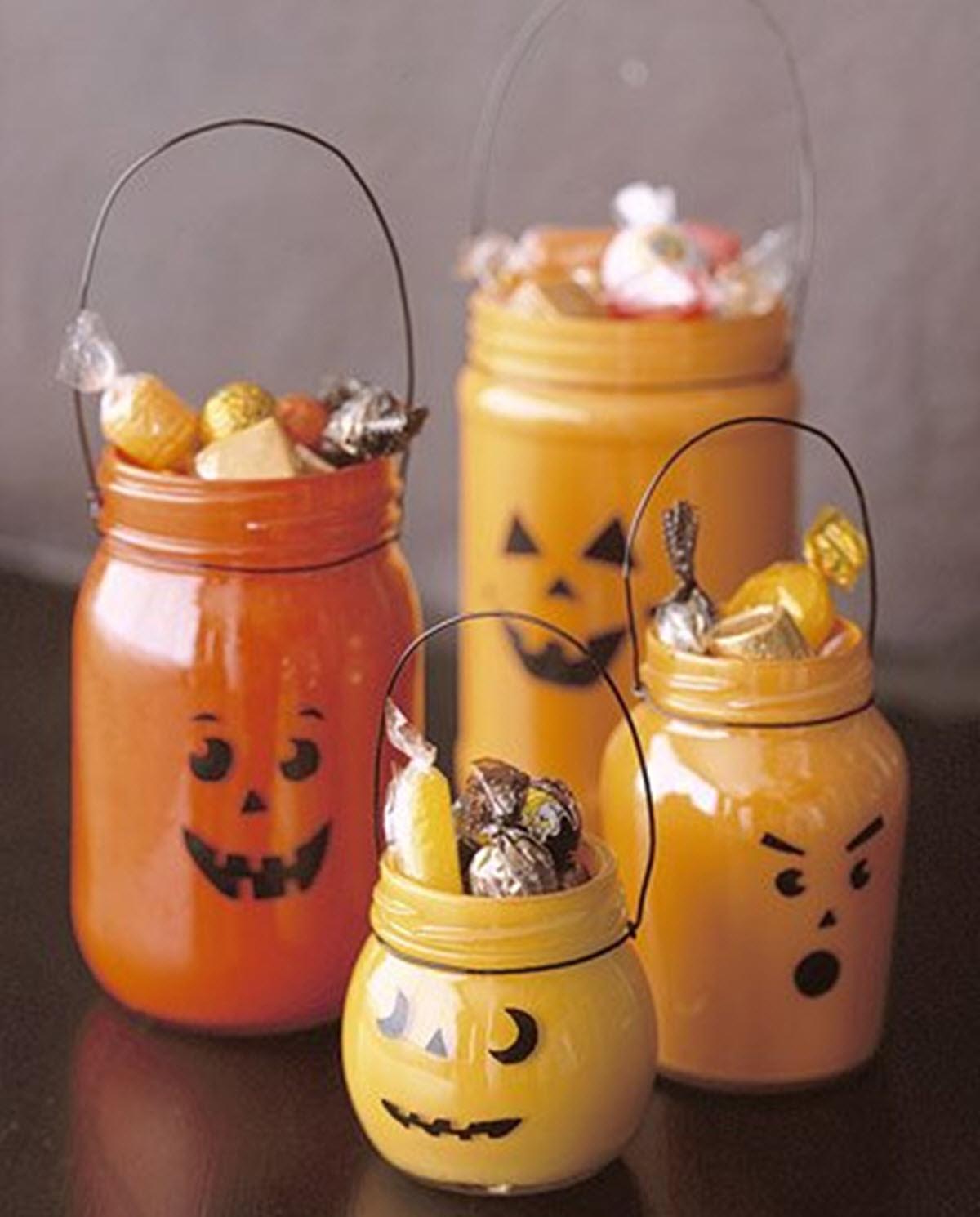 decoración de Halloween casera con botes de cristal
