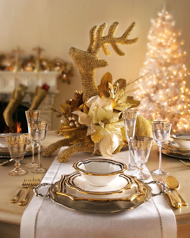 decoración de mesas de Navidad en dorado