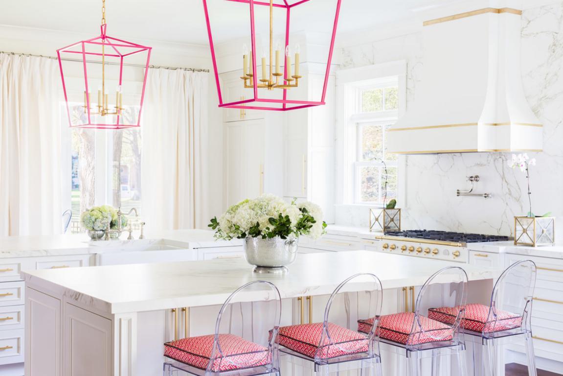 cocina blanca y rosa