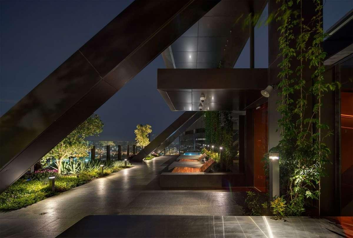 áticos de diseño con jardín vertical