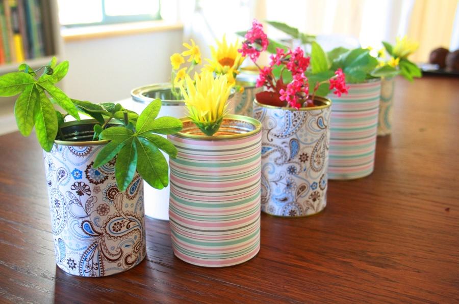 reciclar latas de conserva y envuelvelas con papel