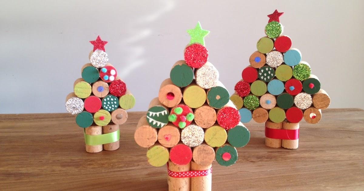 adornos de Navidad fáciles de hacer - Árboles con tapones de corcho
