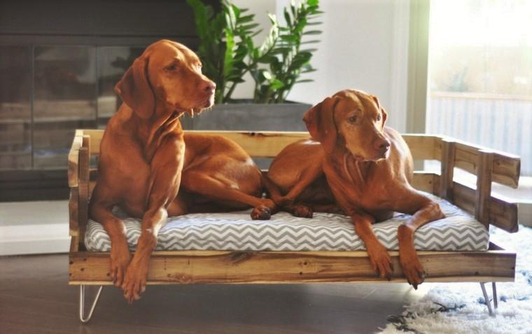 camas para perros - DIY de palets