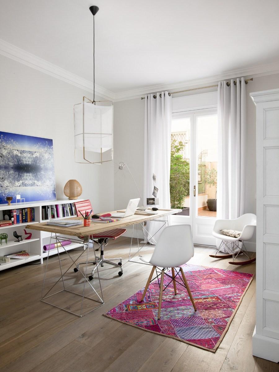 decoración del despacho con colores vivos