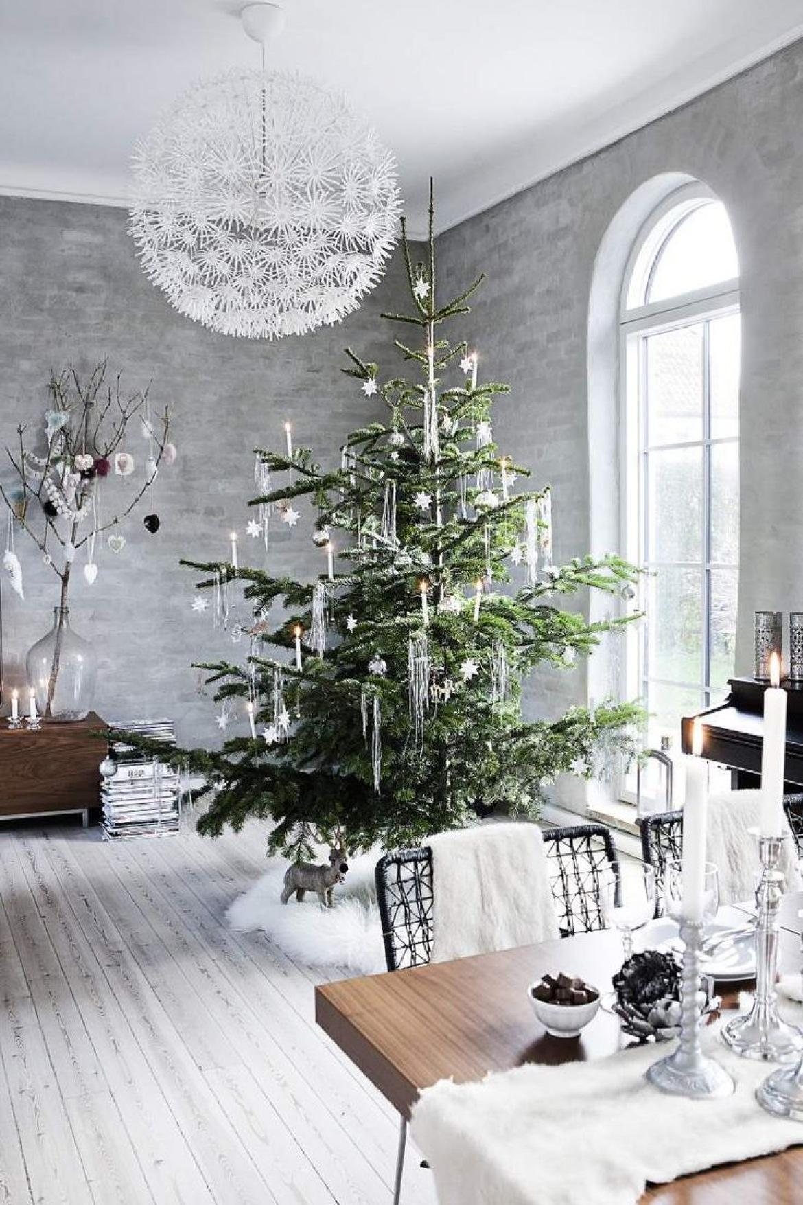 árbol de Navidad nórdico sencillo