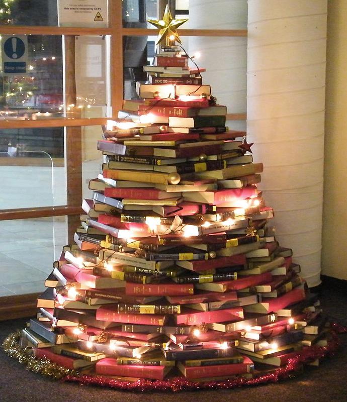 árboles de Navidad originales - con libros y luces