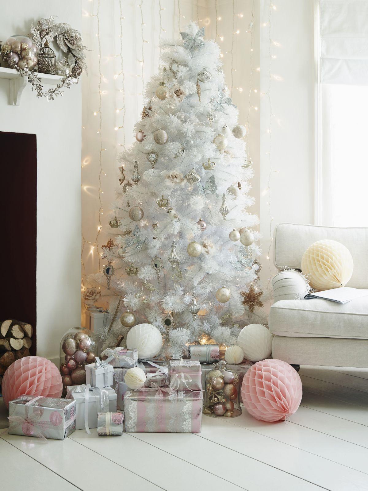árbol de Navidad blanco precioso