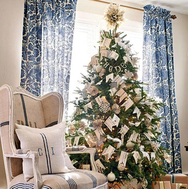 árbol de Navidad natural tematico