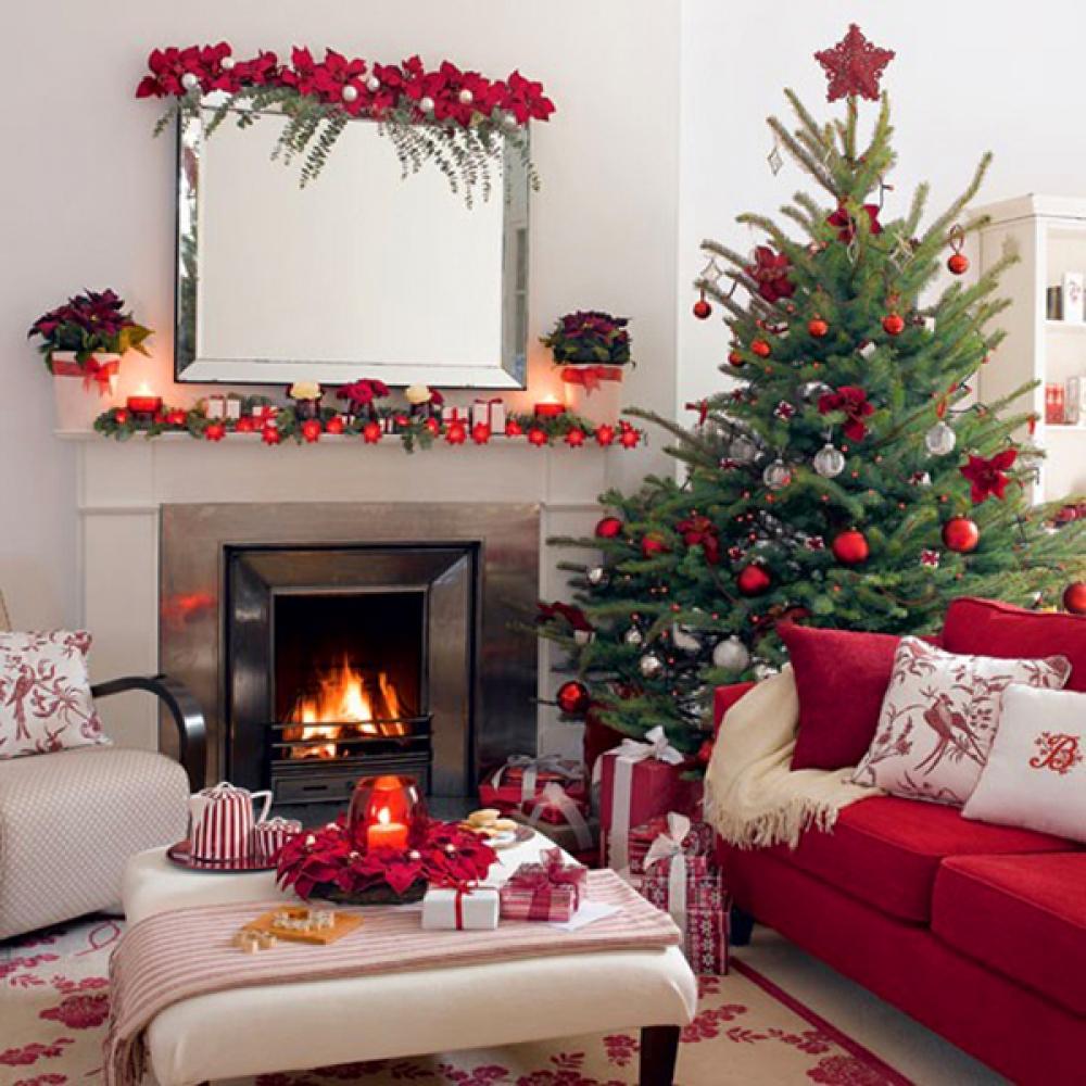 árbol de Navidad natural en rojo