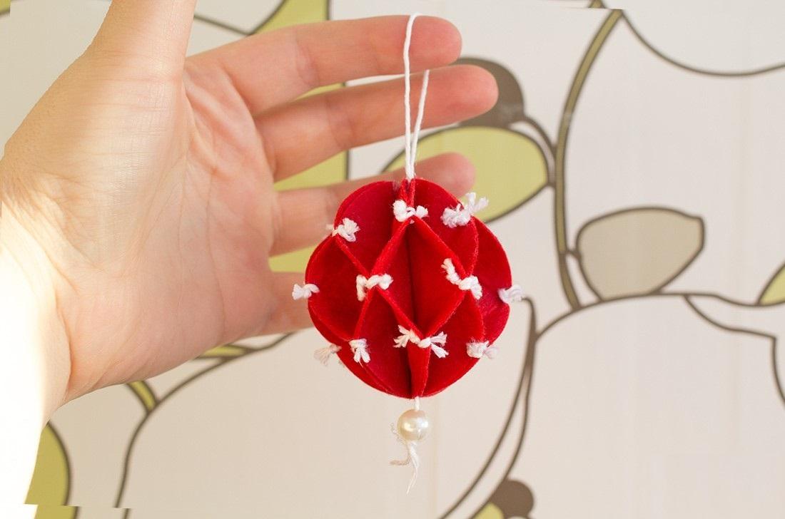 adornos navideños en fieltro - Colgante rojo