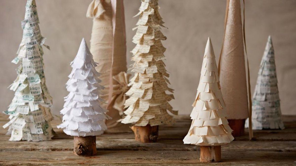 árbol de Navidad casero con papel