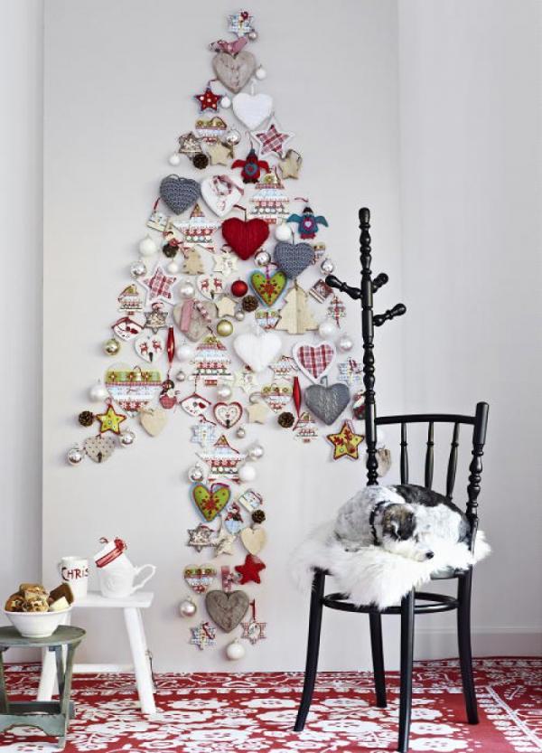 árbol de Navidad casero con adornos