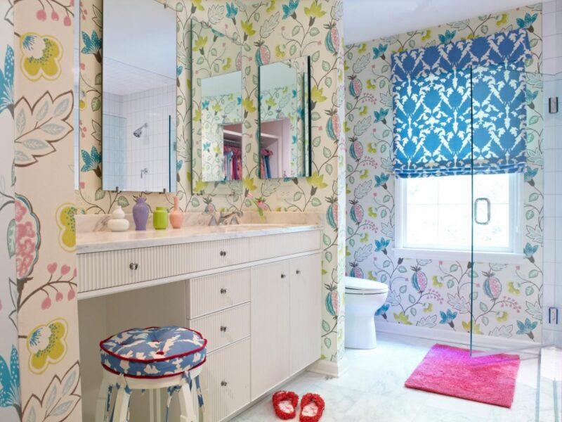baños originales con papel pintado